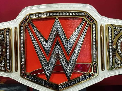 WWE Women's World Championship Replica Title (2016)